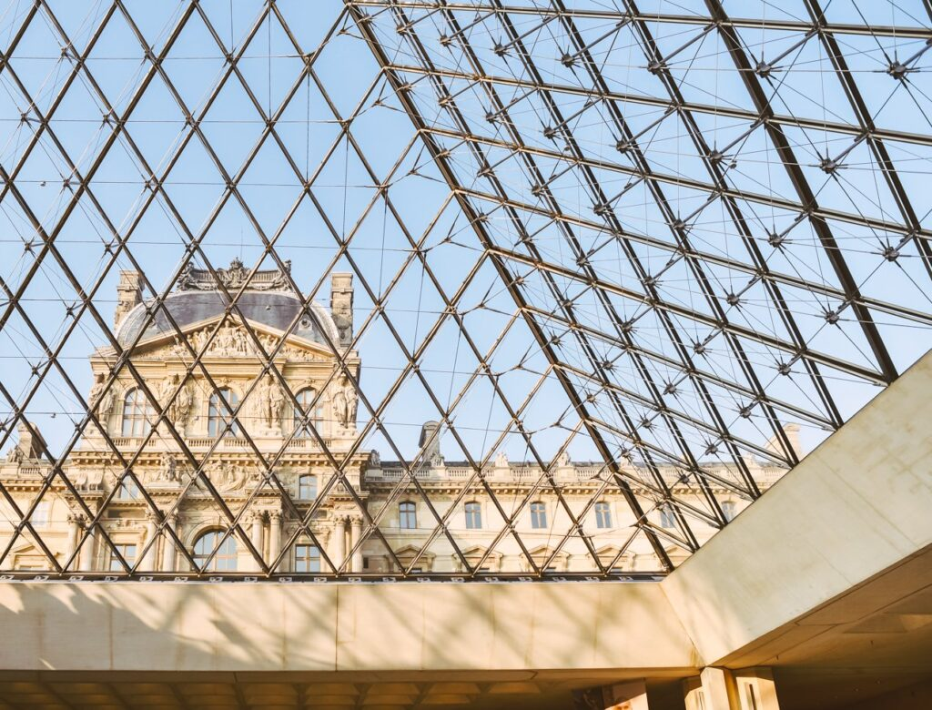 5 Incredible Rooms to Visit Inside the Louvre!