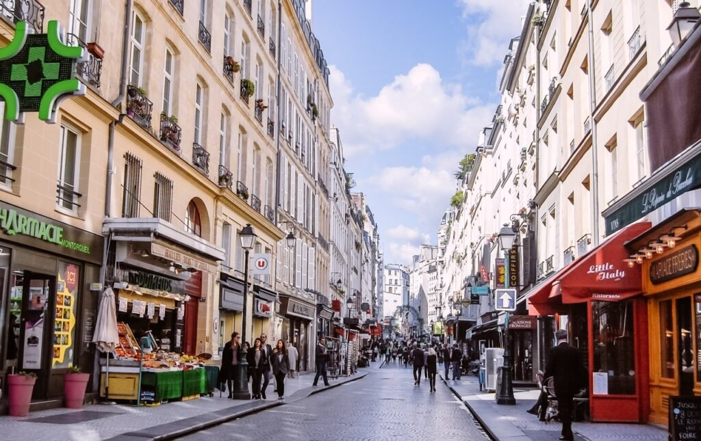 The Best of Rue Montorgeuil – Historic Market Street in the Center of Paris!