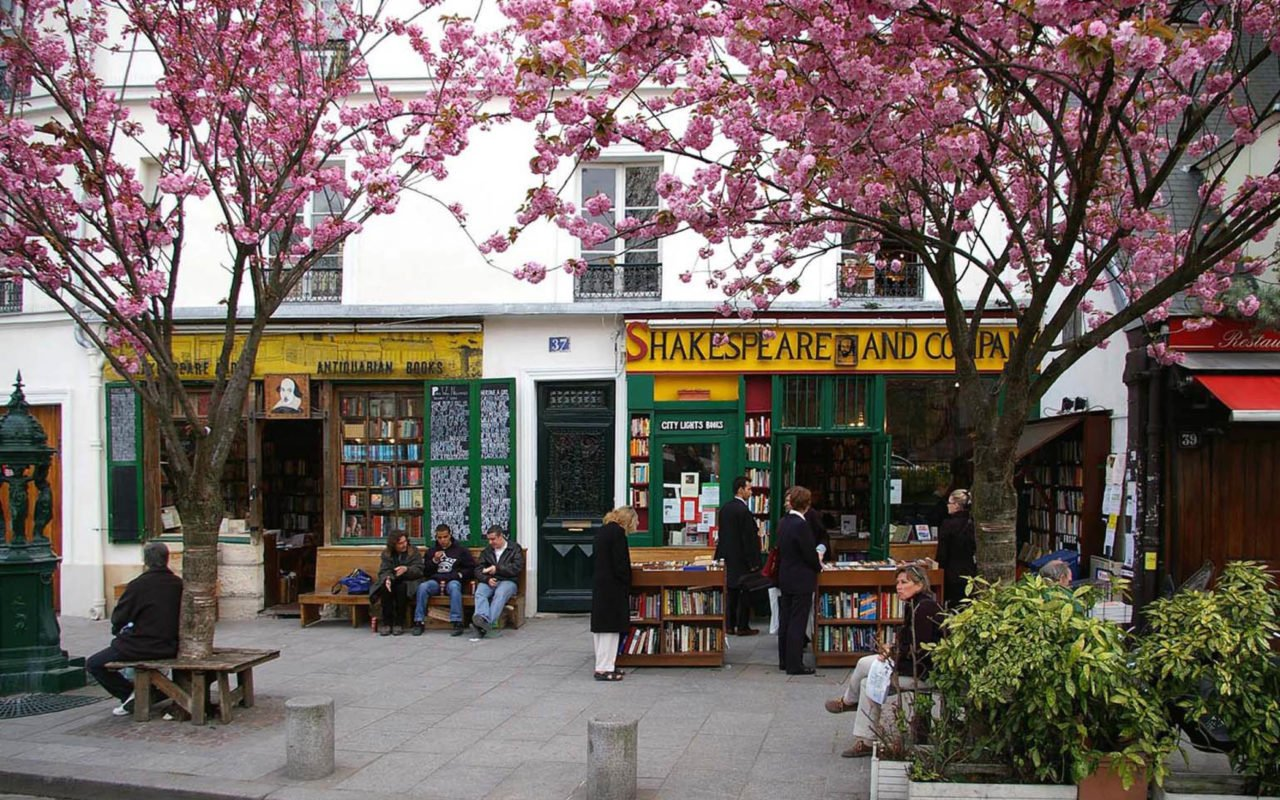 Best of Paris: Brunch Spots and Bookshops