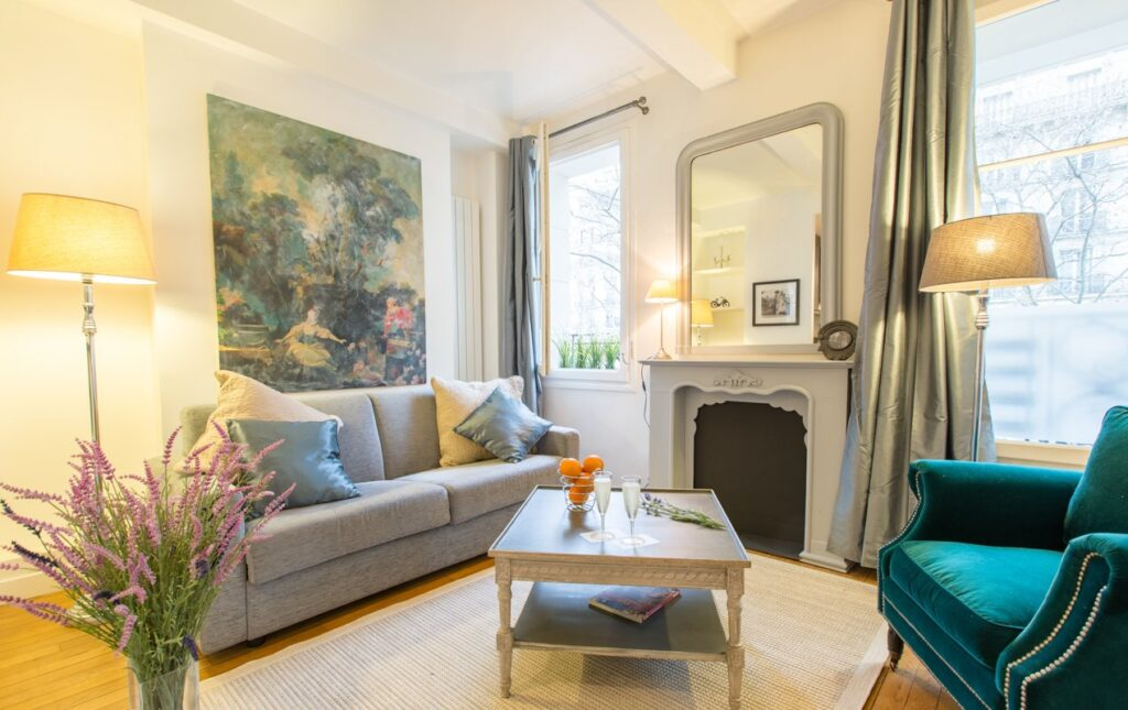 Dramatic Décor Transformation in the Bandol Apartment!