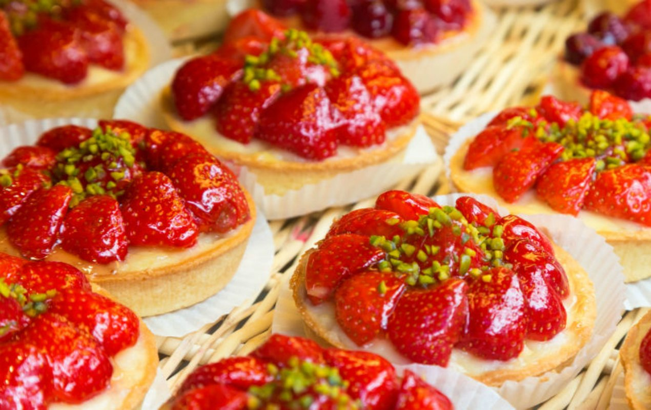 strawberry pastries food in paris