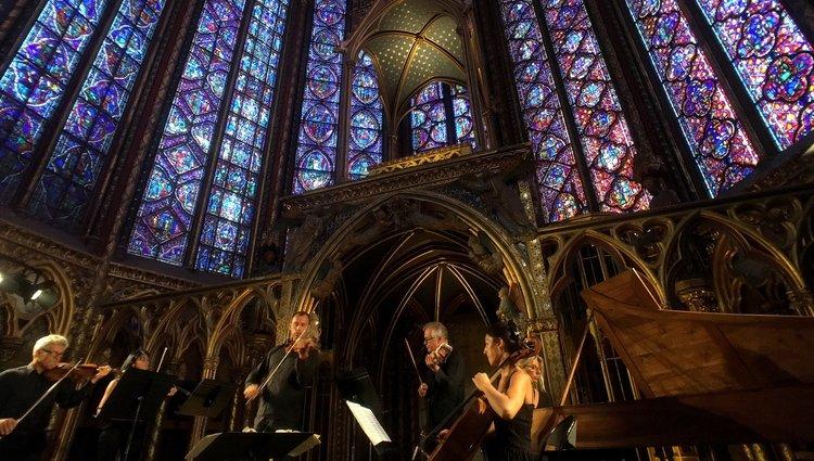 The Best Evening Entertainment in Paris by Paris Perfect