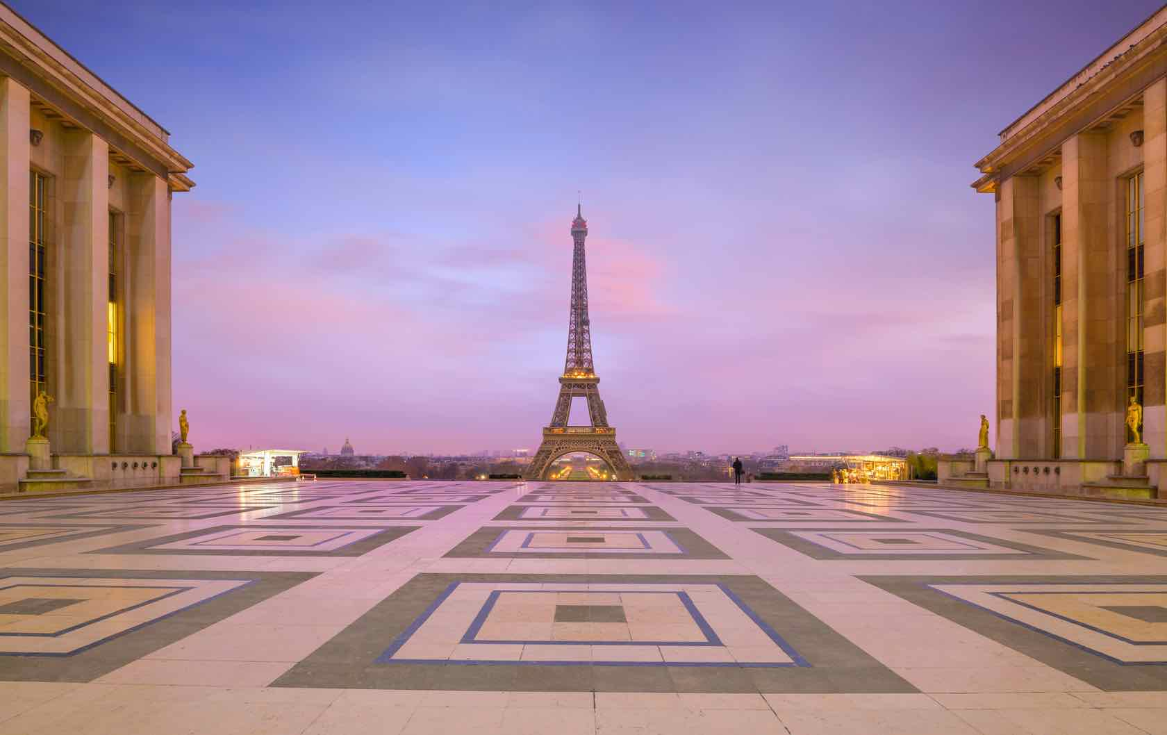 5 Insider Tips on Parisian Tourist Attractions by Paris Perfect Eiffel Tower