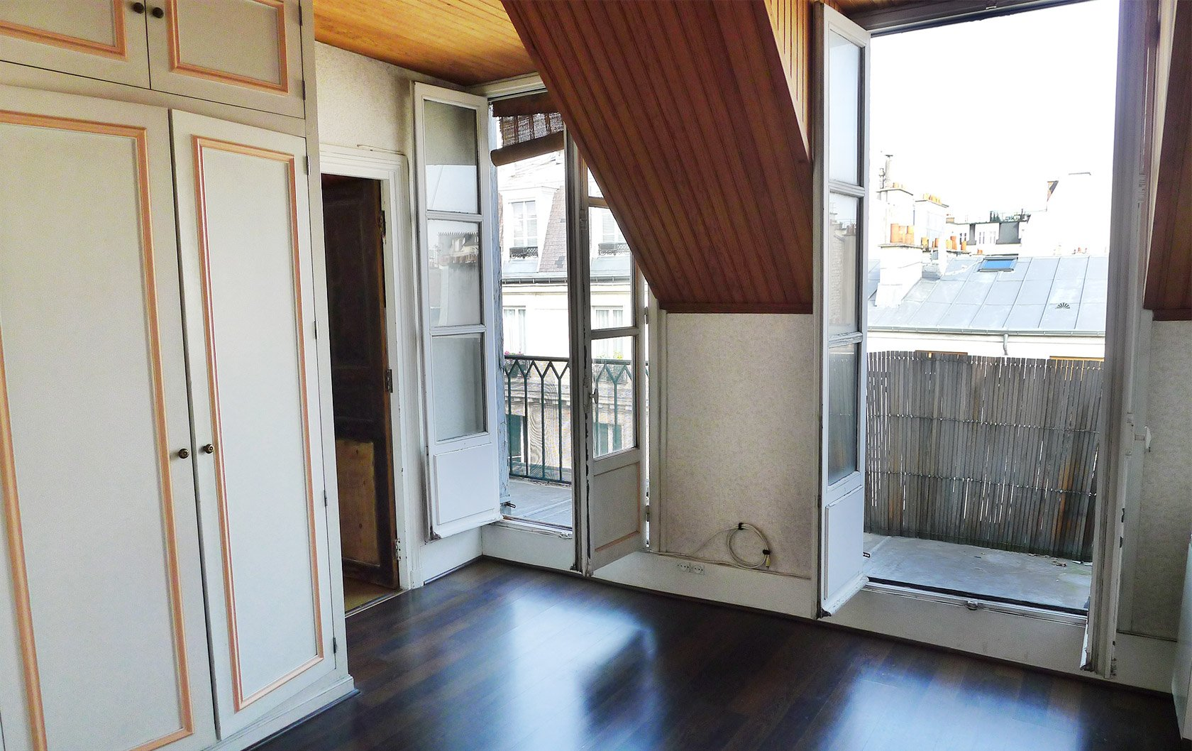Saumur the brilliant transformation of a small paris Wood paneling transformation