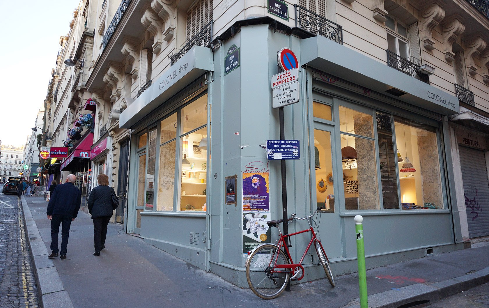 Why rue des martyrs is the perfect paris street paris for Miroir rue des martyrs