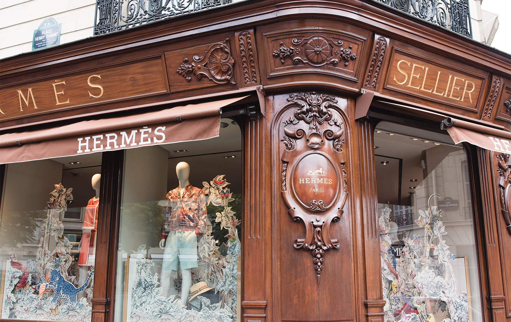 HW-luxury-store-paris-hermes