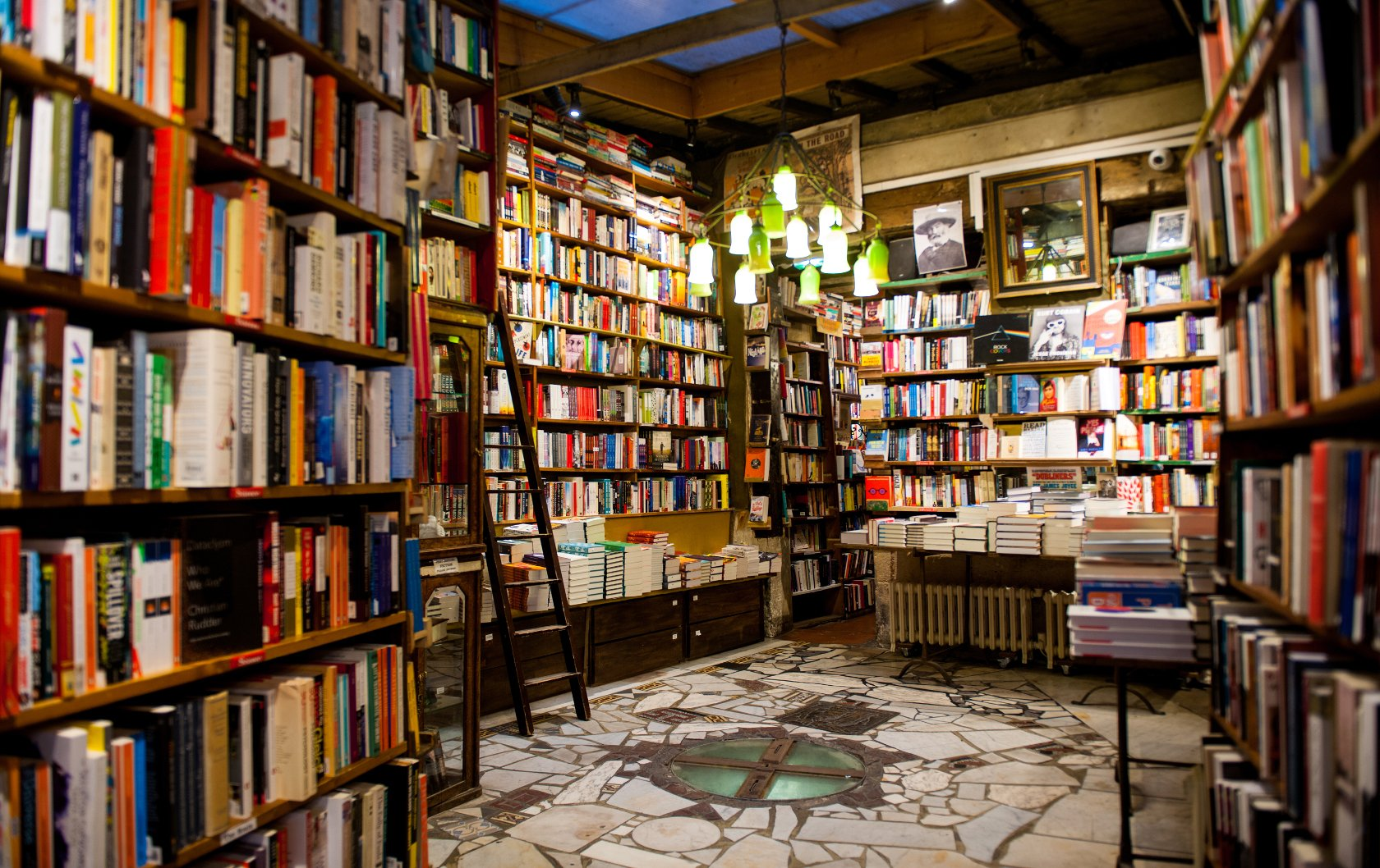 shakespeare paris company bookstore interior bookstores bibliophile kiren every should visit france credit