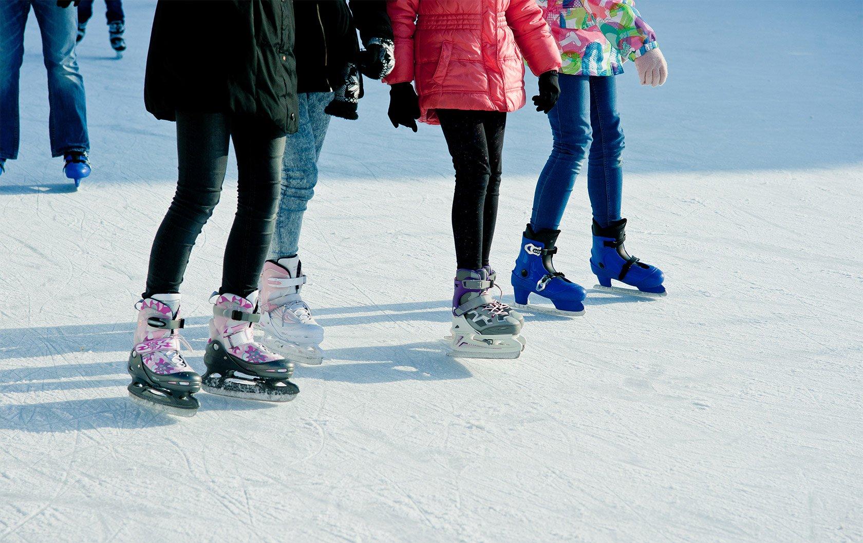 FO-141251199-ice-skating