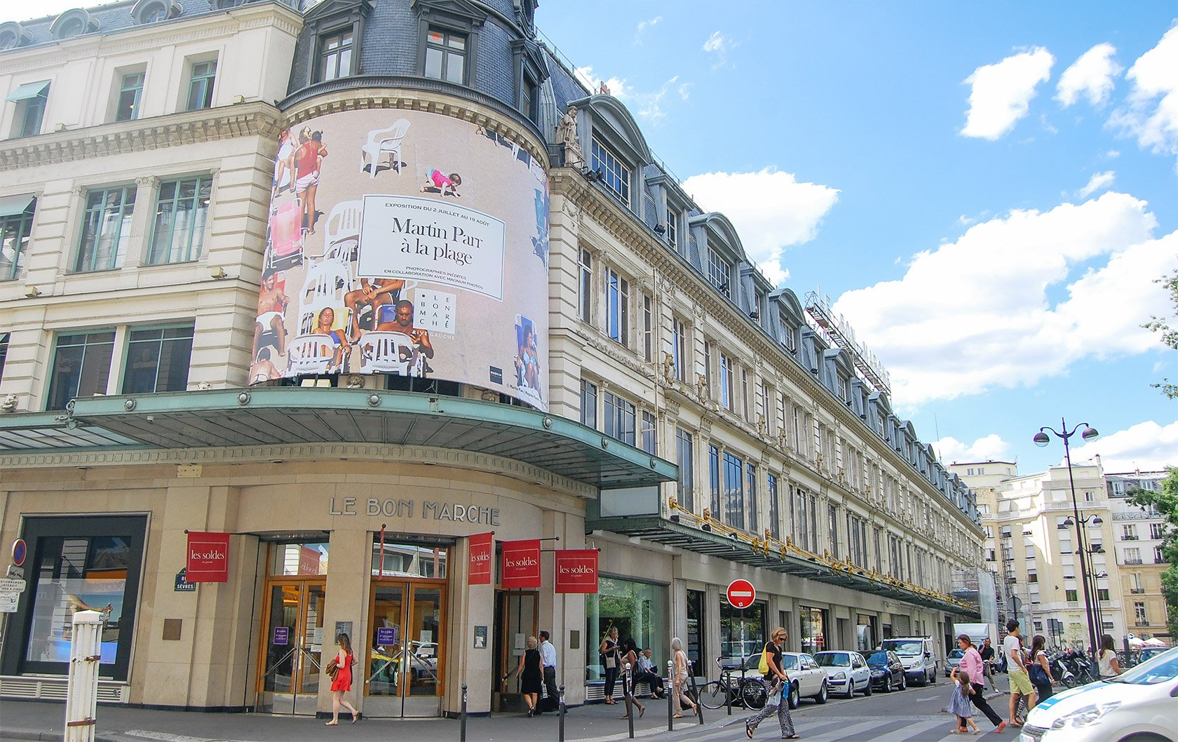 HW-bon-marche-department-store-outside-paris