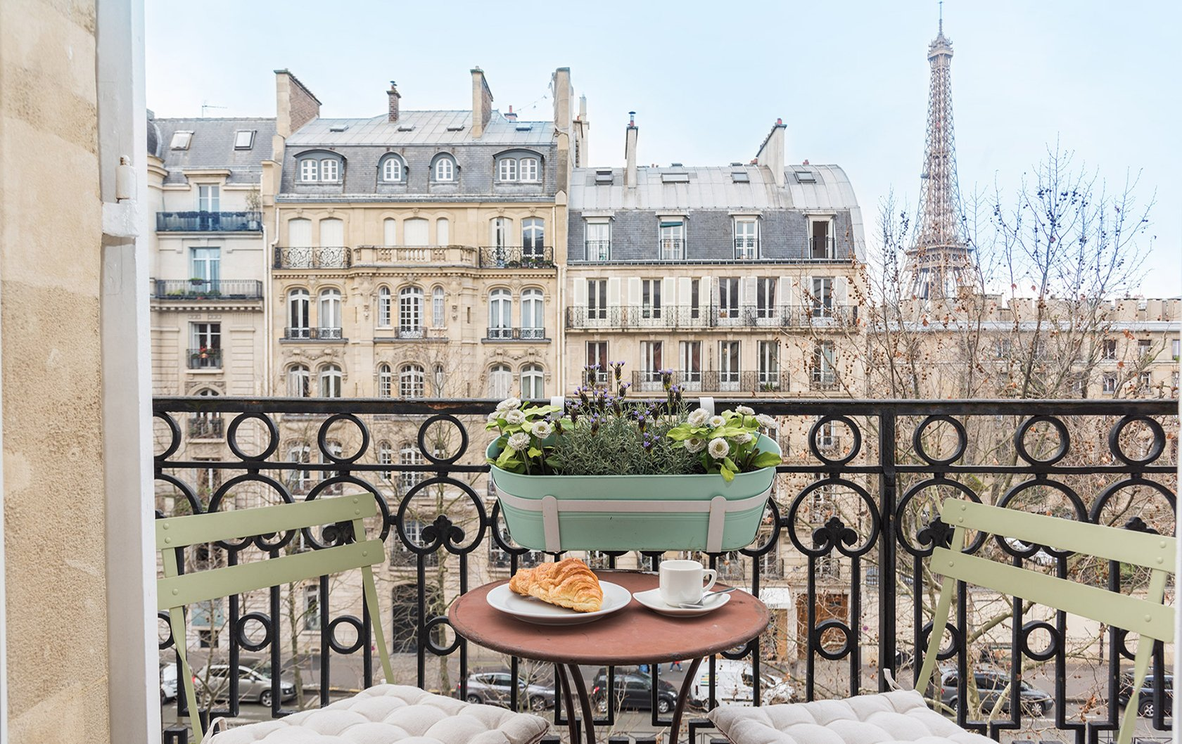 Charming Paris Perfect Cairanne 2