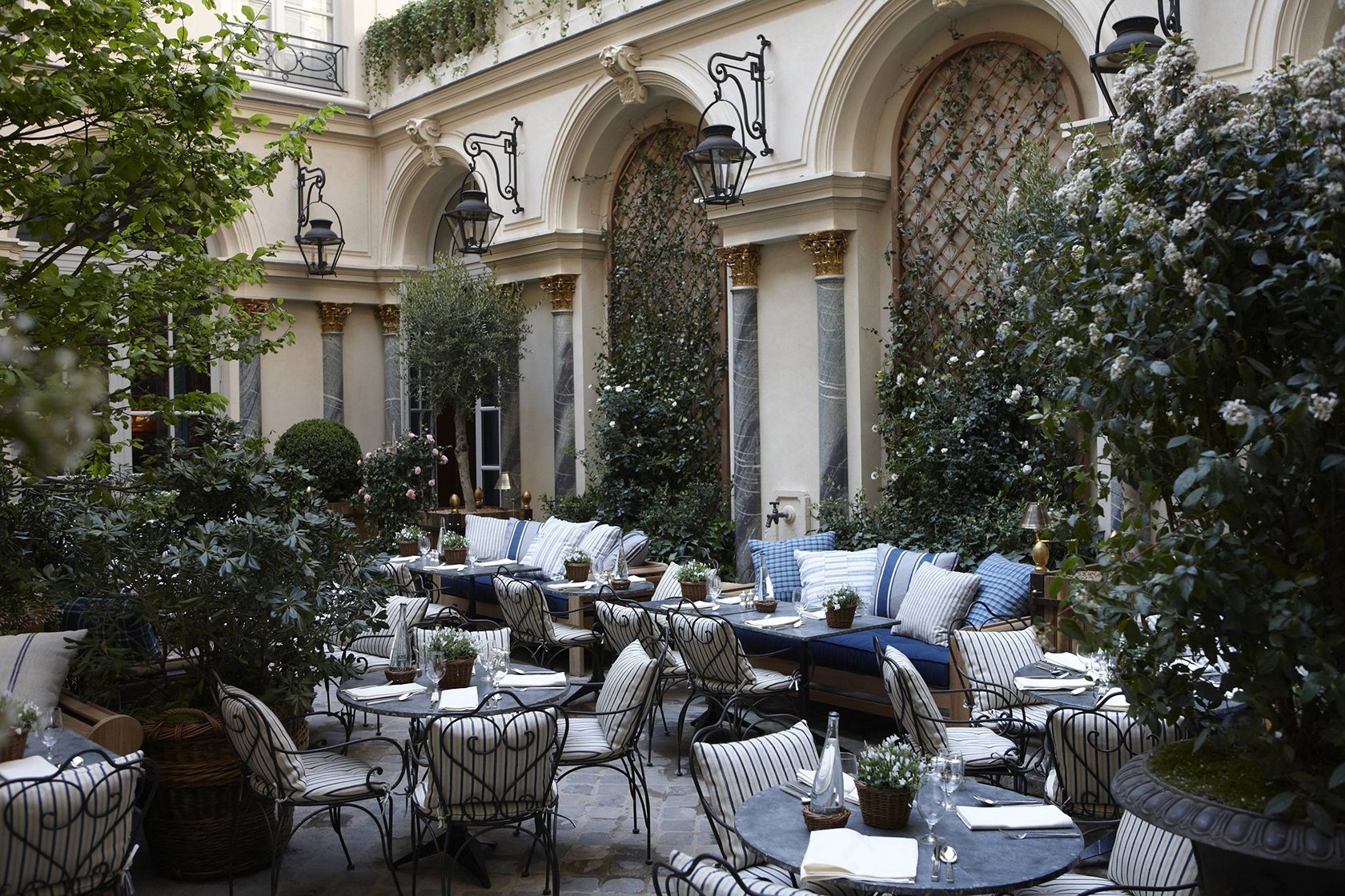 The Best Places to Eat Outside in Paris- Ralph's Paris, ©Thierry Chomel