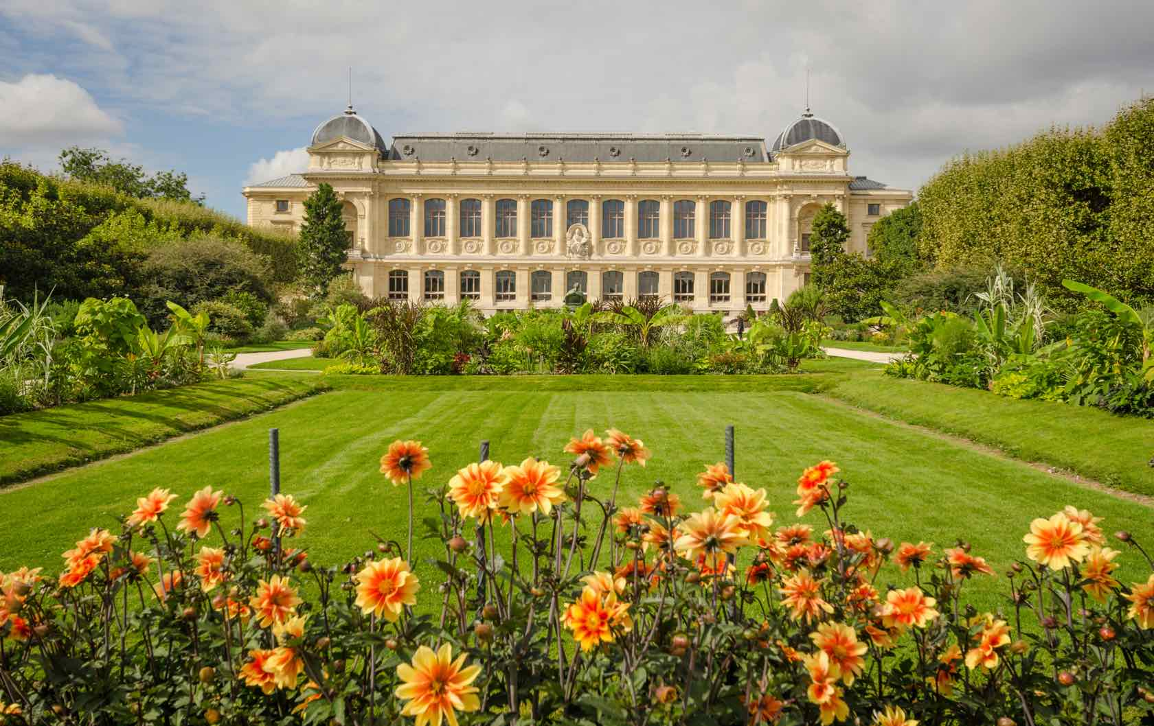 Fun things to do with the Family in Paris during the Summer by Paris Perfect Jardin des Plantes