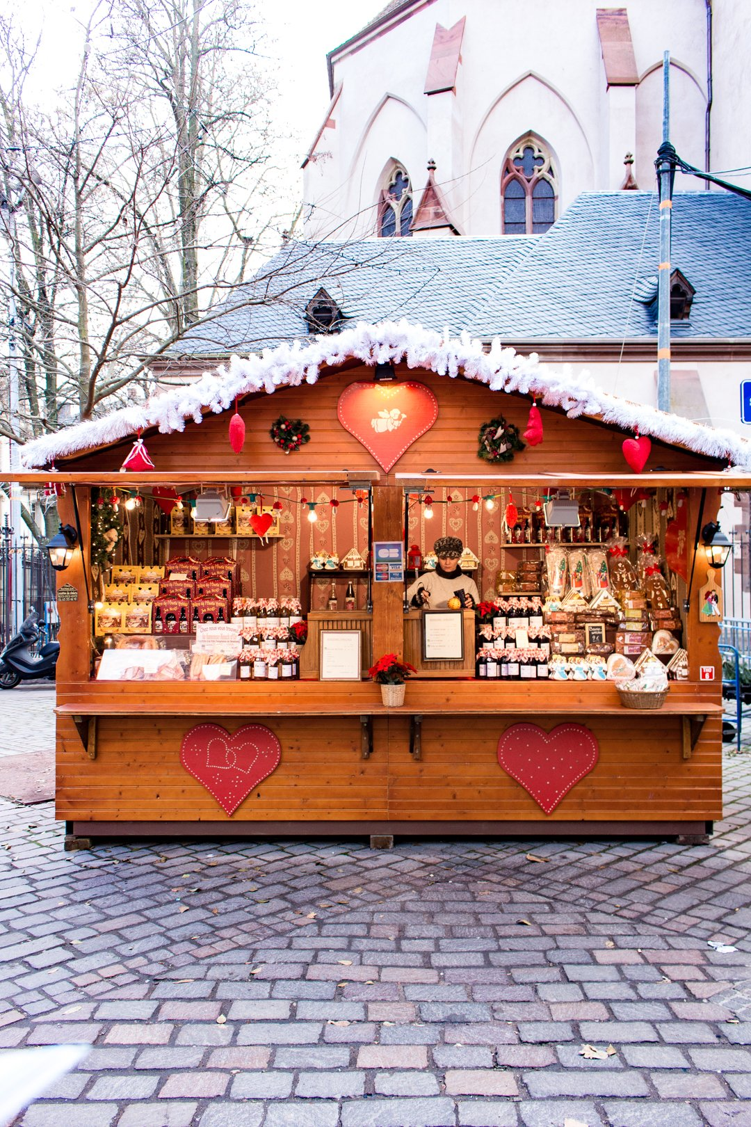 Marche de Noel- 7 French Christmas Traditions to Adopt by Paris Perfect