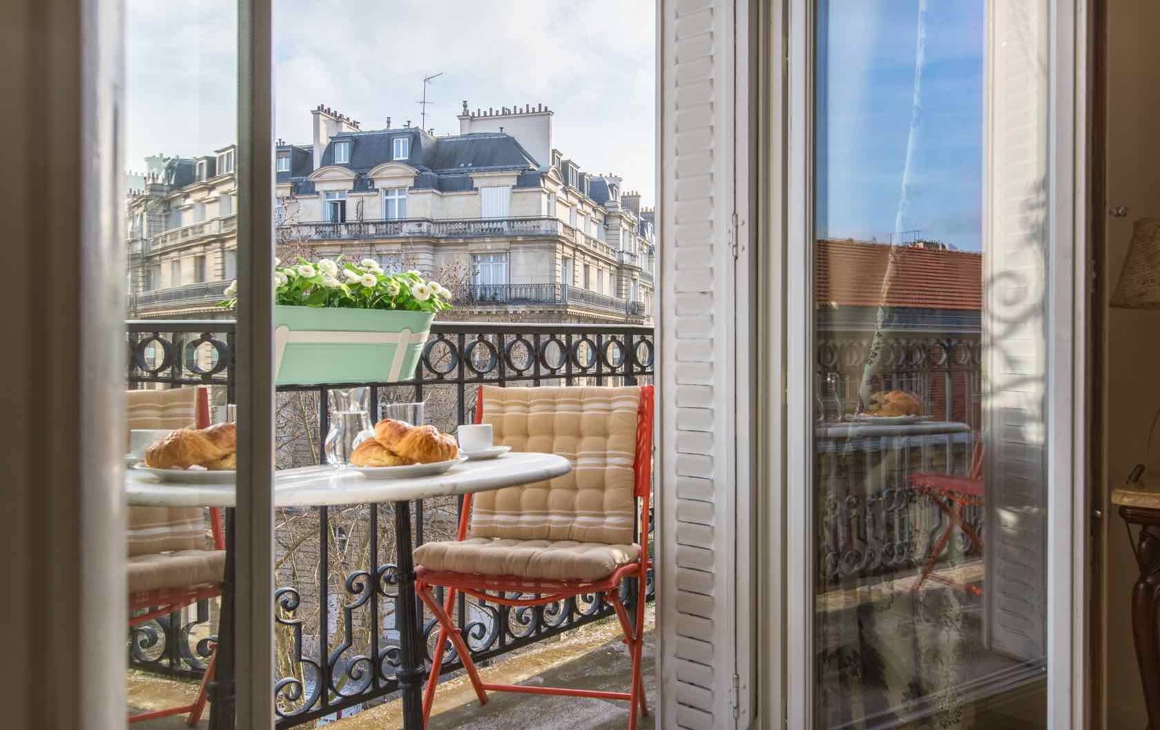 Staying a Month or Longer? See our Long-Term Furnished Rentals in Paris