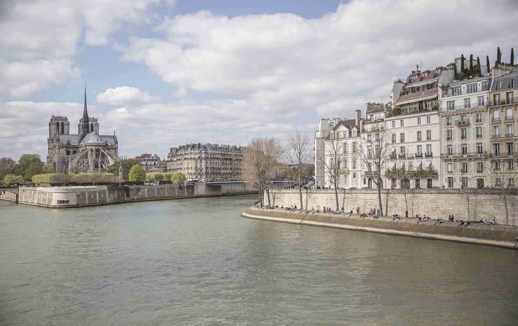 10 of the Best Places to Picnic in Paris by Paris Perfect Quai de la Tournelle