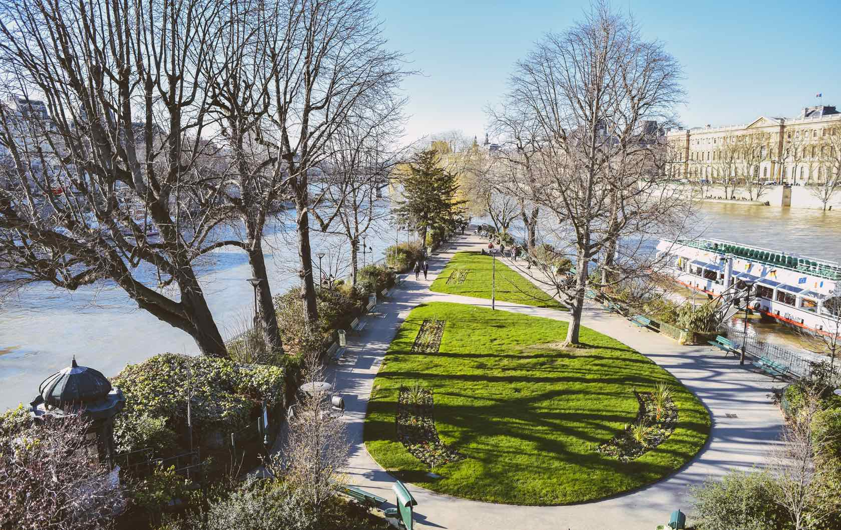 10 of the Best Places to Picnic in Paris by Paris Perfect Square du Vert-Galant