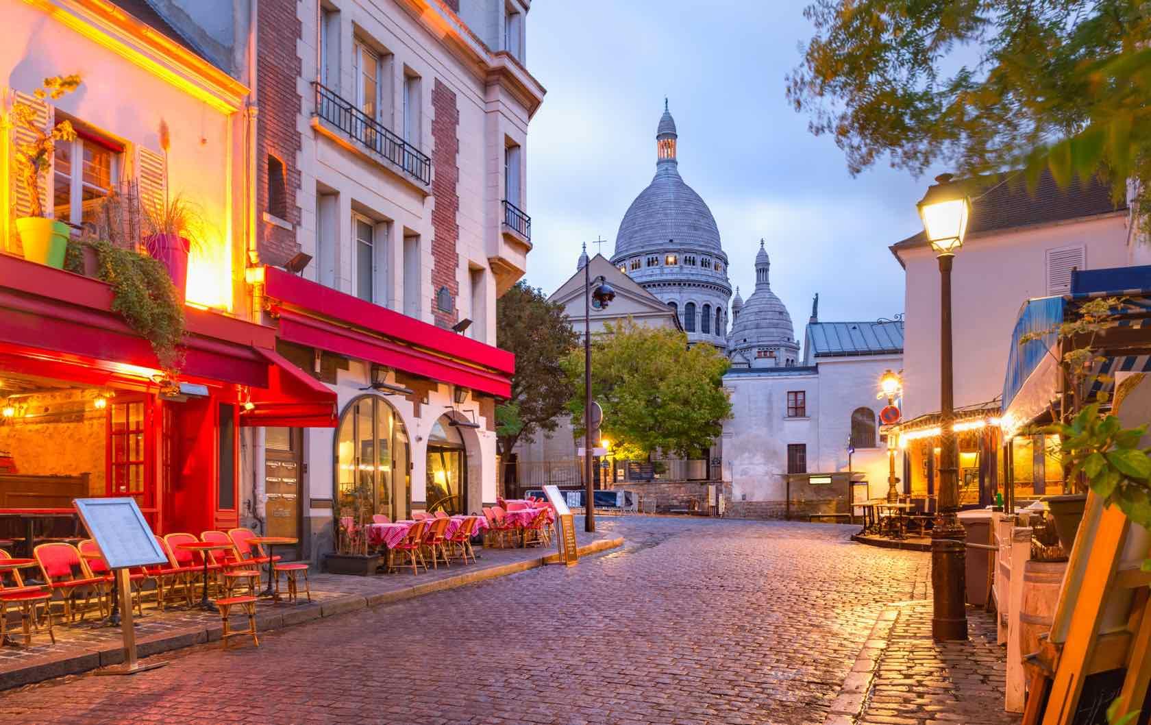Place du Tertre beautiful squares in Paris
