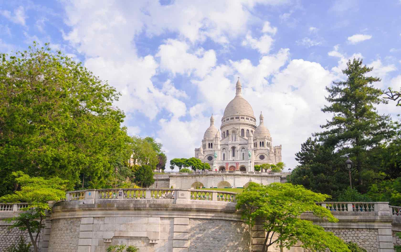 Montmartre Summer Walks in Paris