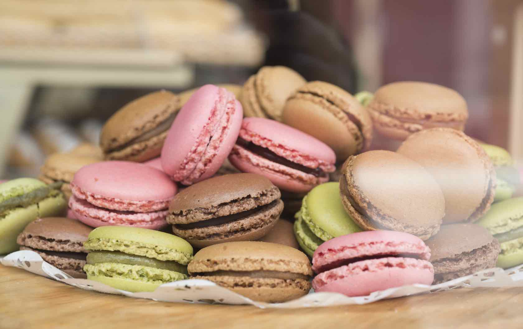 French desserts to eat in Paris macarons