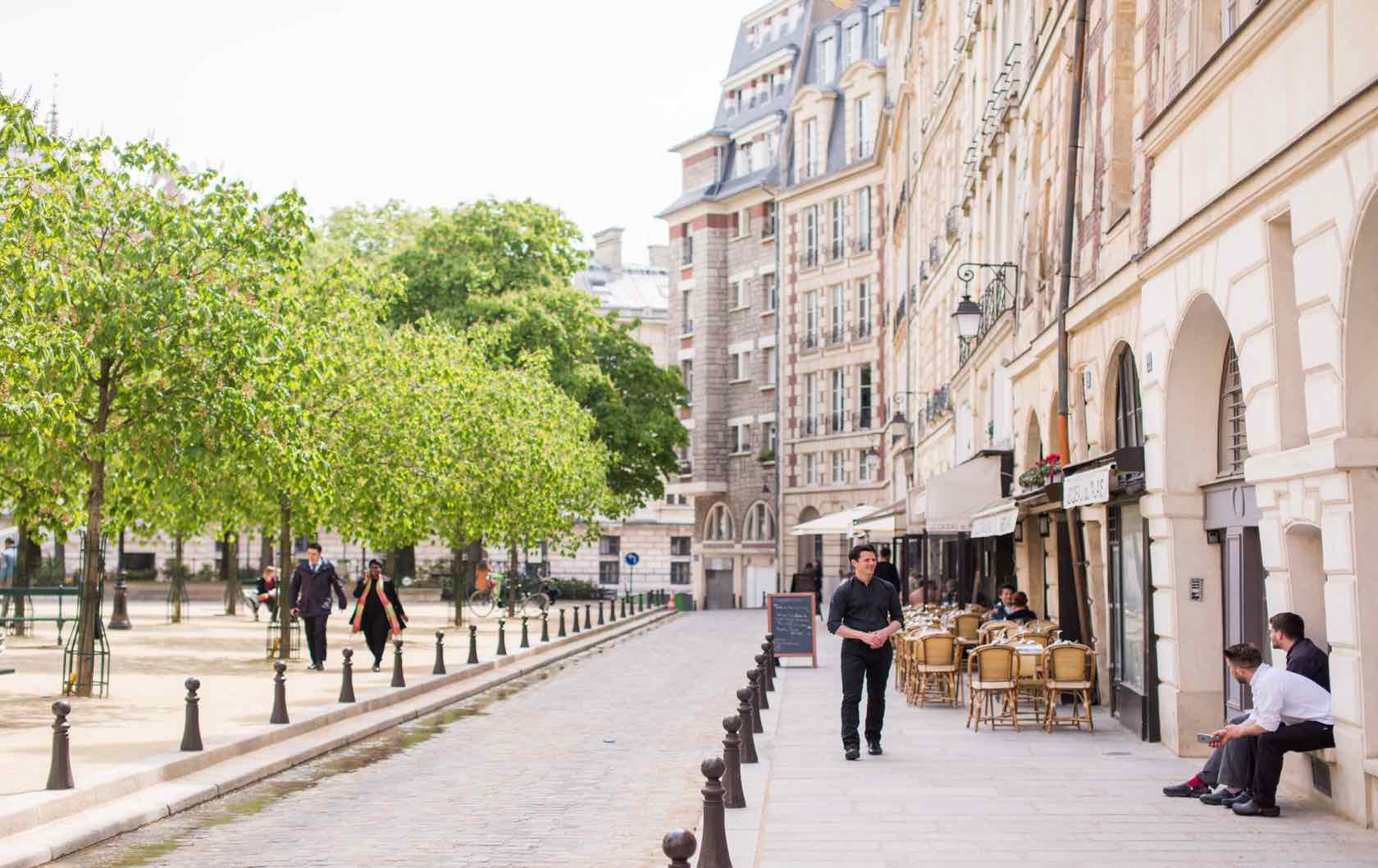 Welcome to 25 Place Dauphine – the Finest Address in Paris!