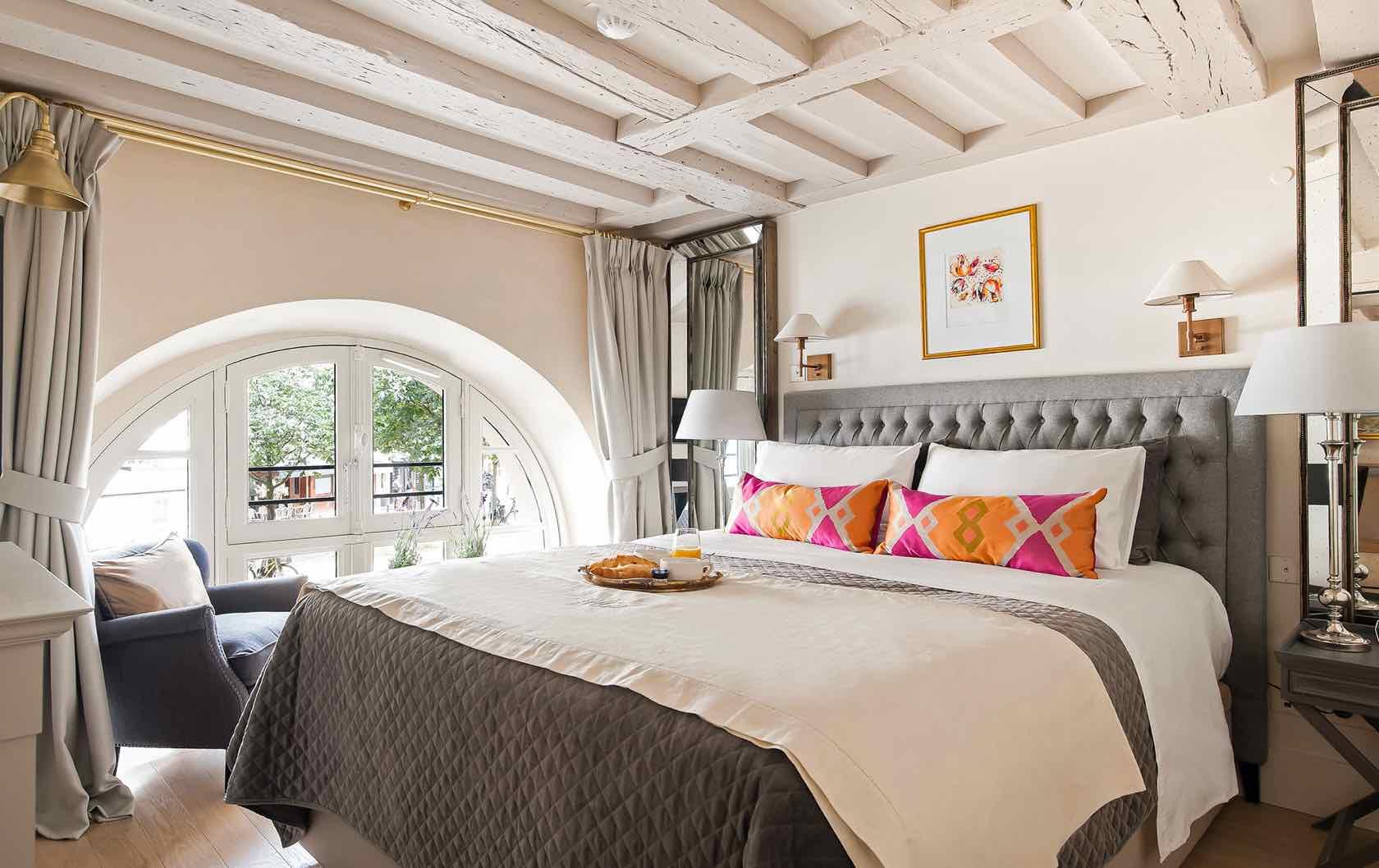 Paris into your home Place Dauphine apartment