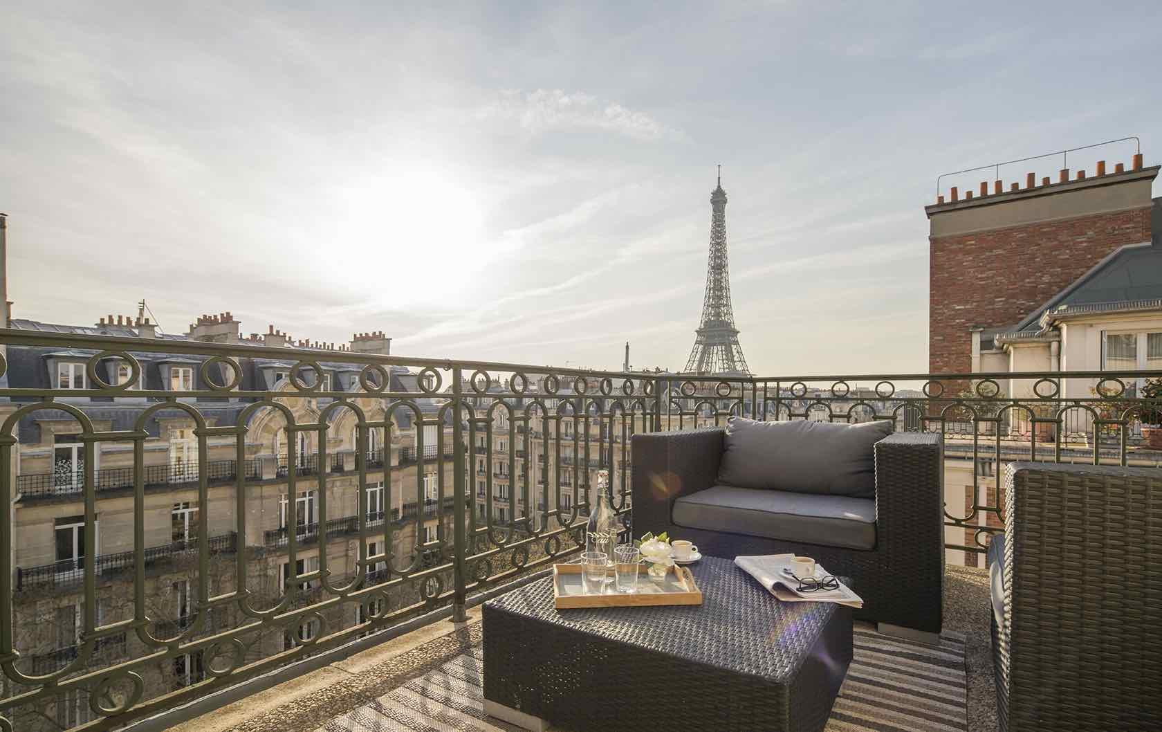 Paris into your home Margaux Eifel Tower view apartment
