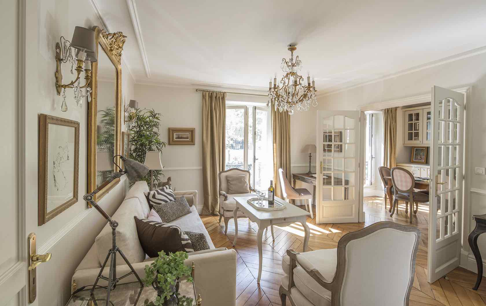 Beaune fractional apartment living room Paris