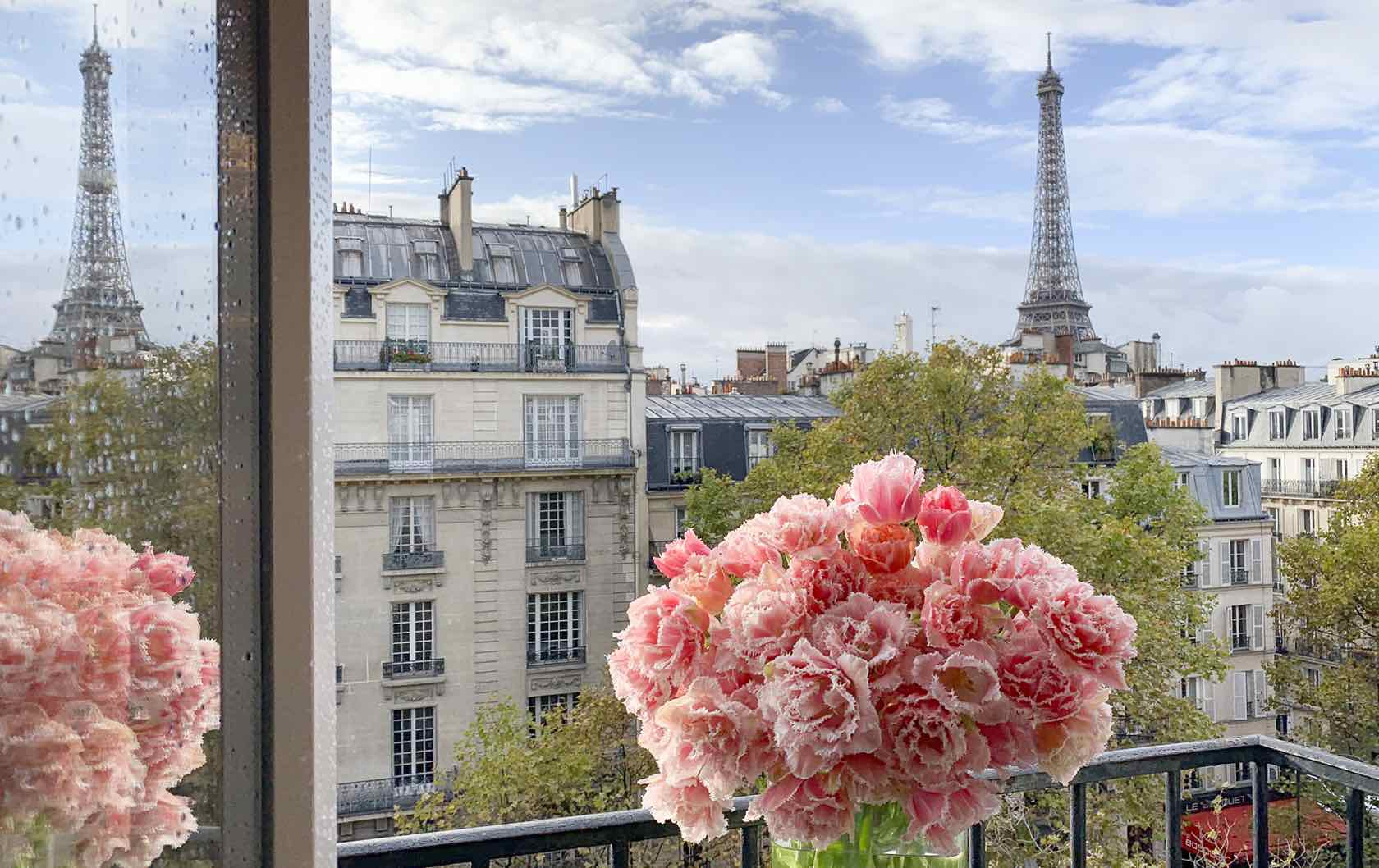 Cremant fractional Eiffel Tower view