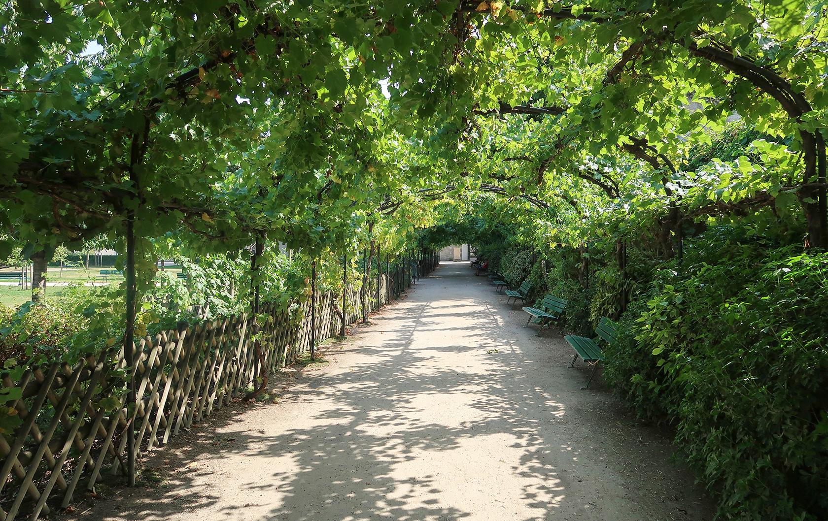 Jardin Catherine-Labouré in Paris