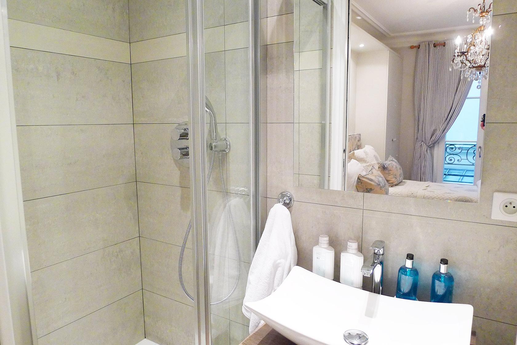 Beaujolais second bathroom before