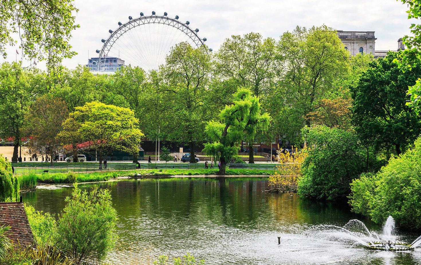 St. James's Park – A London Park with Royal Views