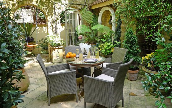 London Perfect Apartments with Lovely Gardens & Terraces
