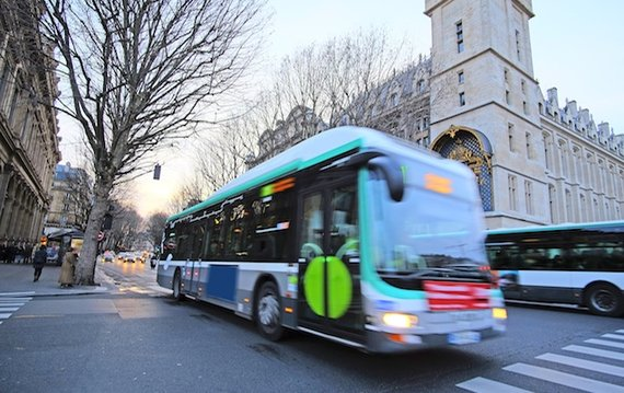 Bus Routes Near Place Dauphine
