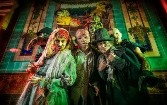 Halloween Show at Le Manoir de Paris