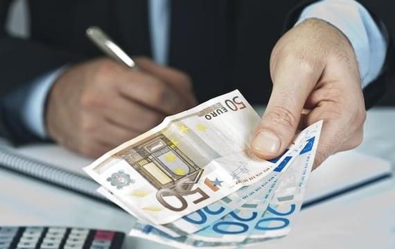 Using Money Exchange Bureaus in Paris