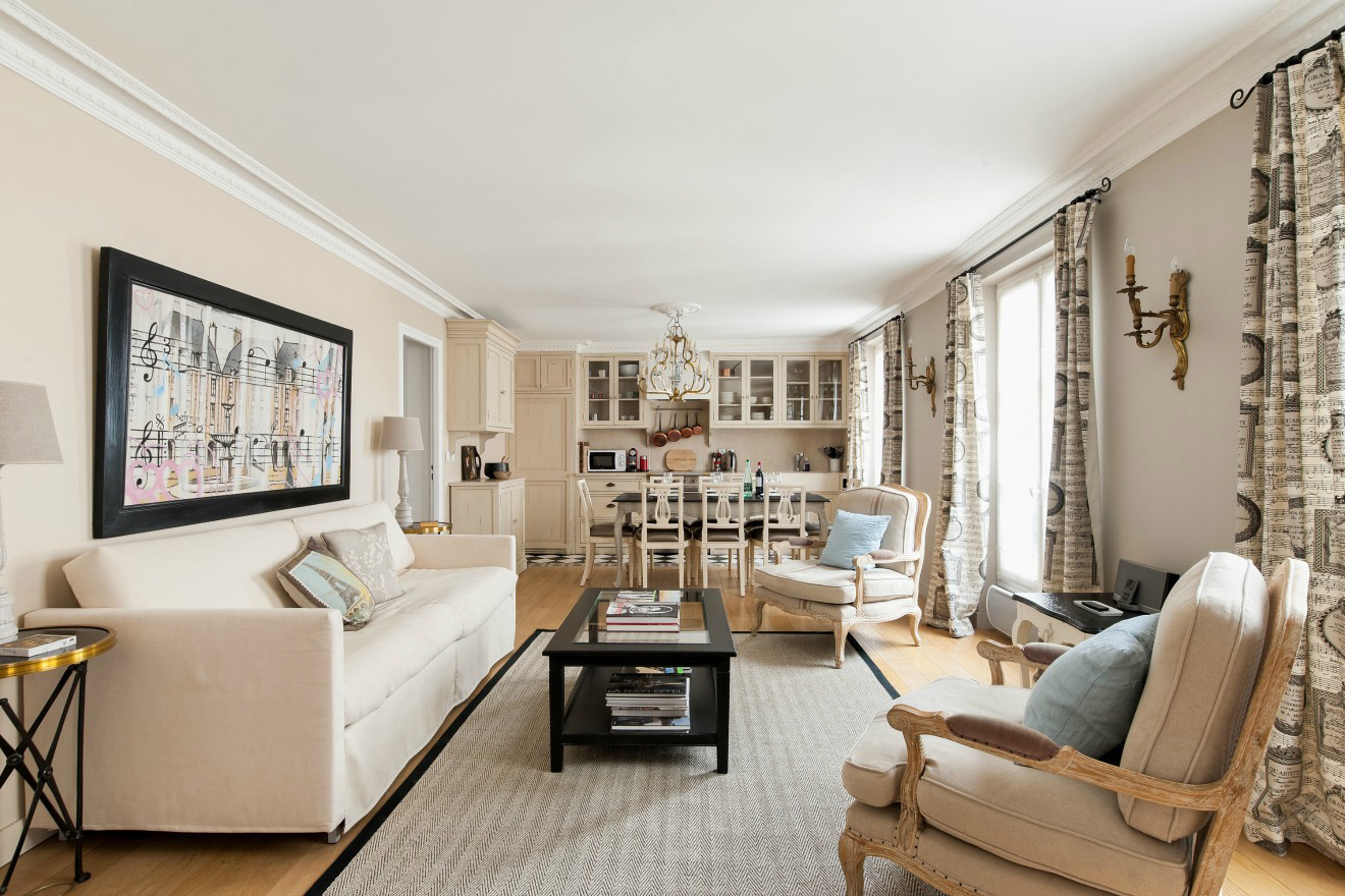 Stunning 2 Bedroom Apartment in the Marais Near Place des Vosges