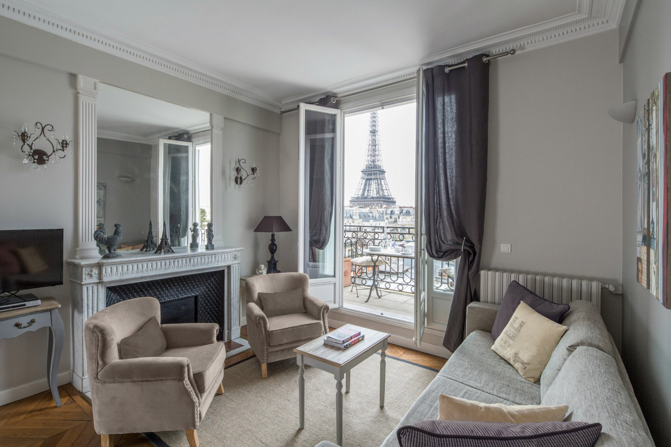Find 2 Bedroom Accommodation Paris, France, near the Seine - Paris Perfect