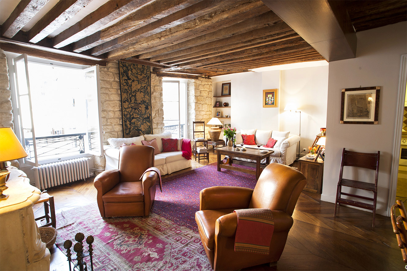 1 Bedroom Paris Rental on Historic Rue du Dragon in Saint Germain