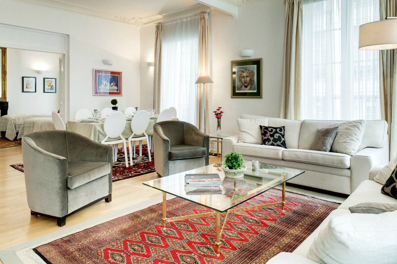Beautifully Appointed 3 Bedroom Paris Apartment near Palais Royal