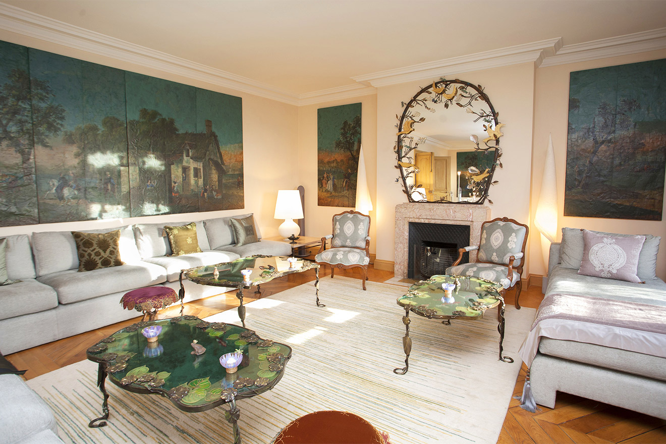 Luxurious Two Bedroom Apartment Near Ile Saint-Louis
