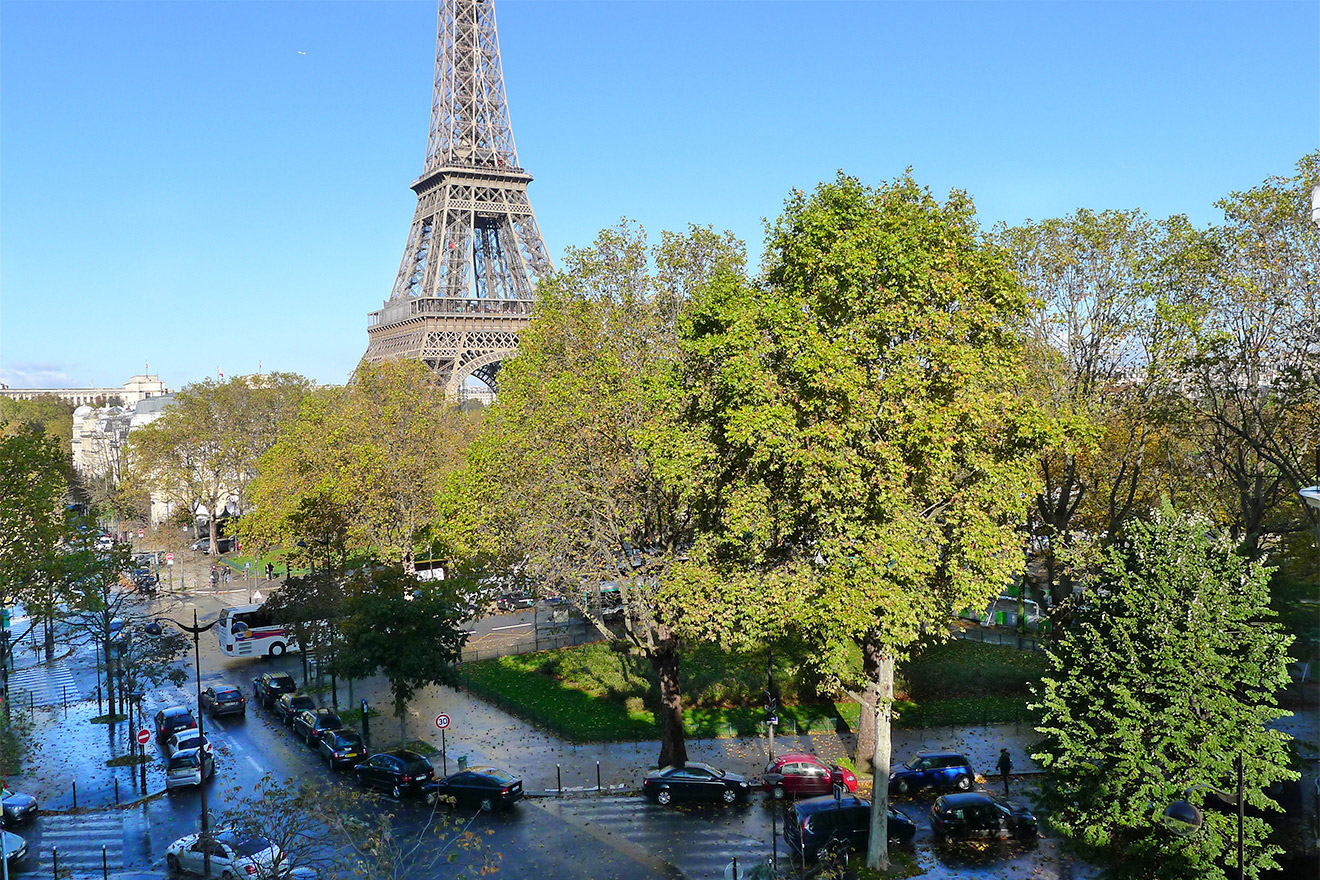 Luxurious 2 Bedroom Paris Apartment with Stunning Eiffel Tower Views
