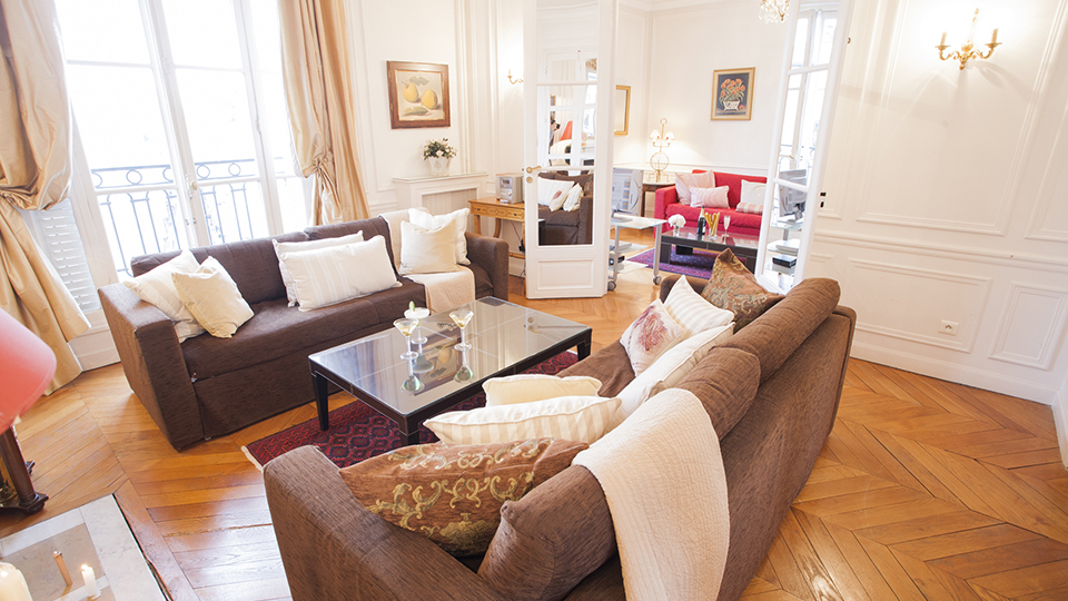 Book  Bedroom Paris Apartment Short Term Rental near Champ de Mars - Paris Perfect