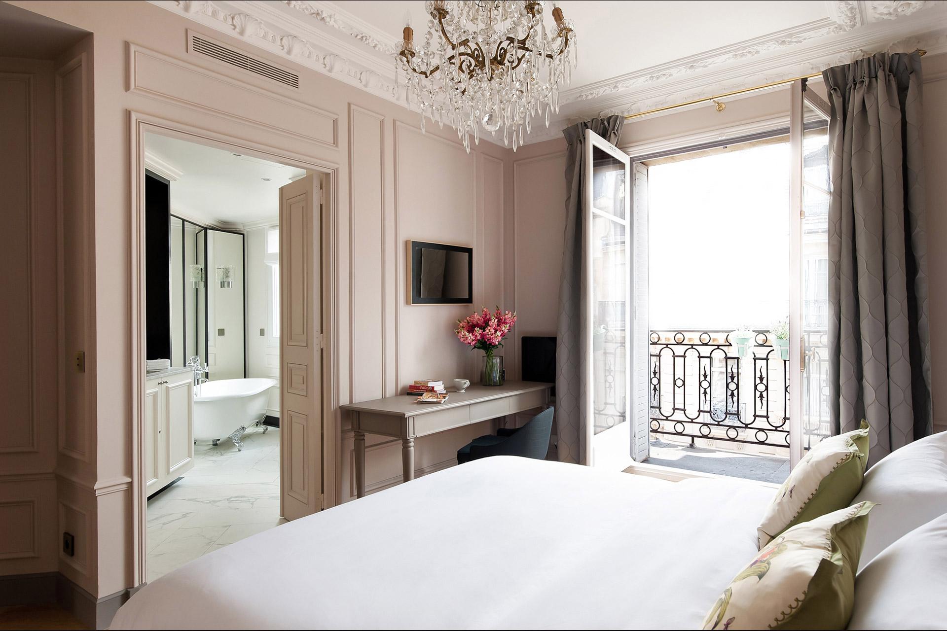 Elegant Two Bedroom Paris Apartment