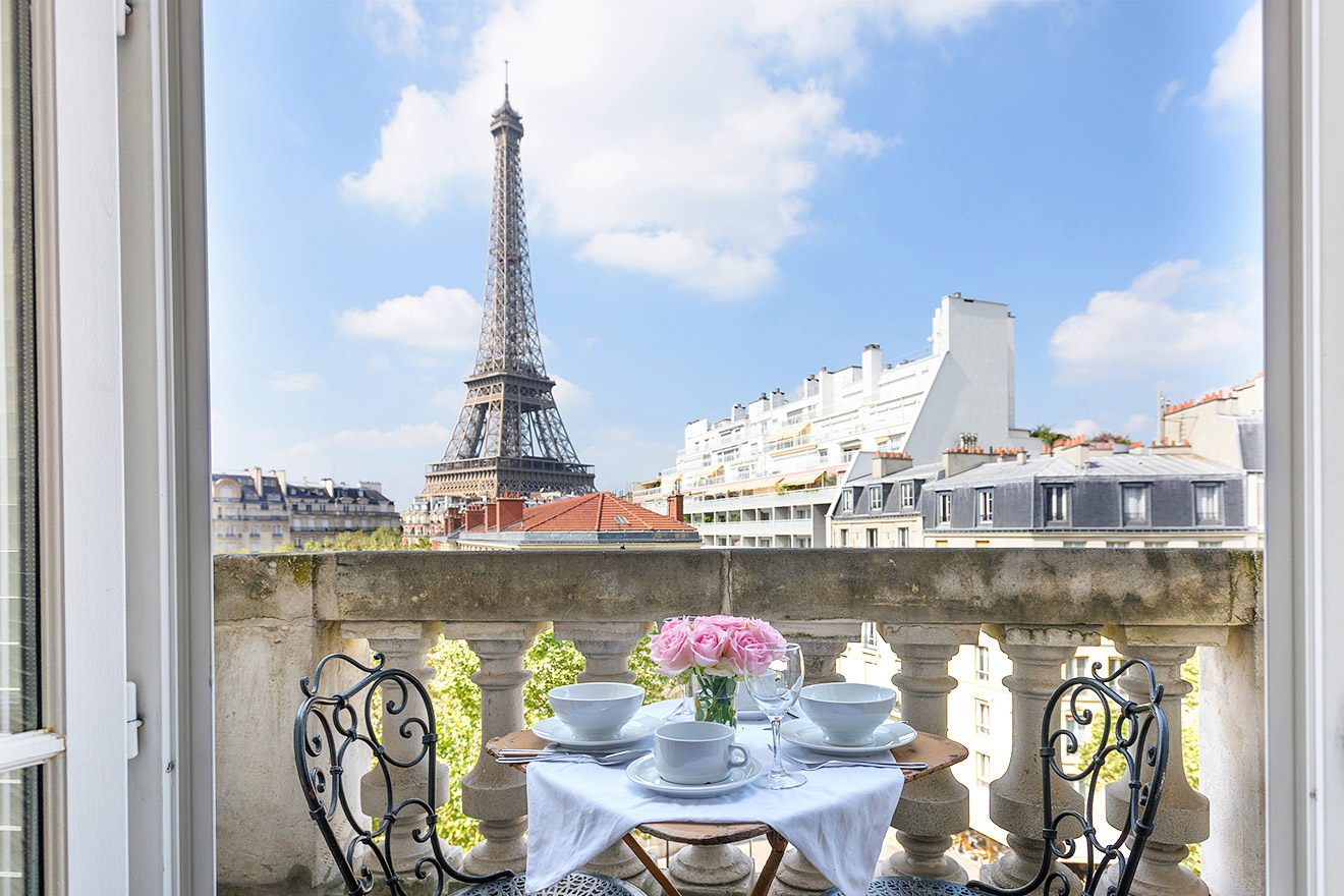 Book Our 2 Bedroom Paris Rental With Eiffel Views Paris