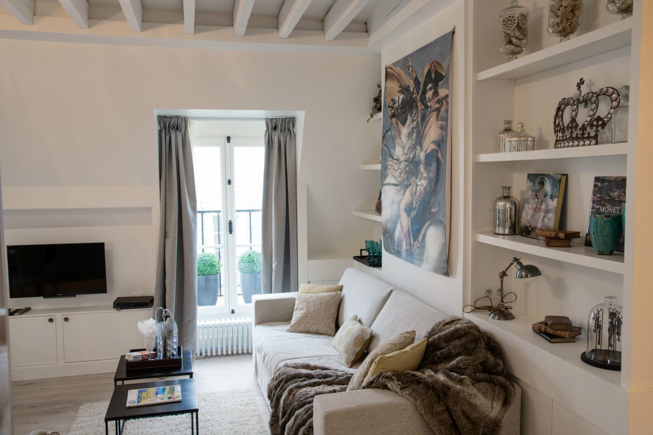 One Bedroom Design Beautiful One Bedroom Vacation Rental Near Les Invalides