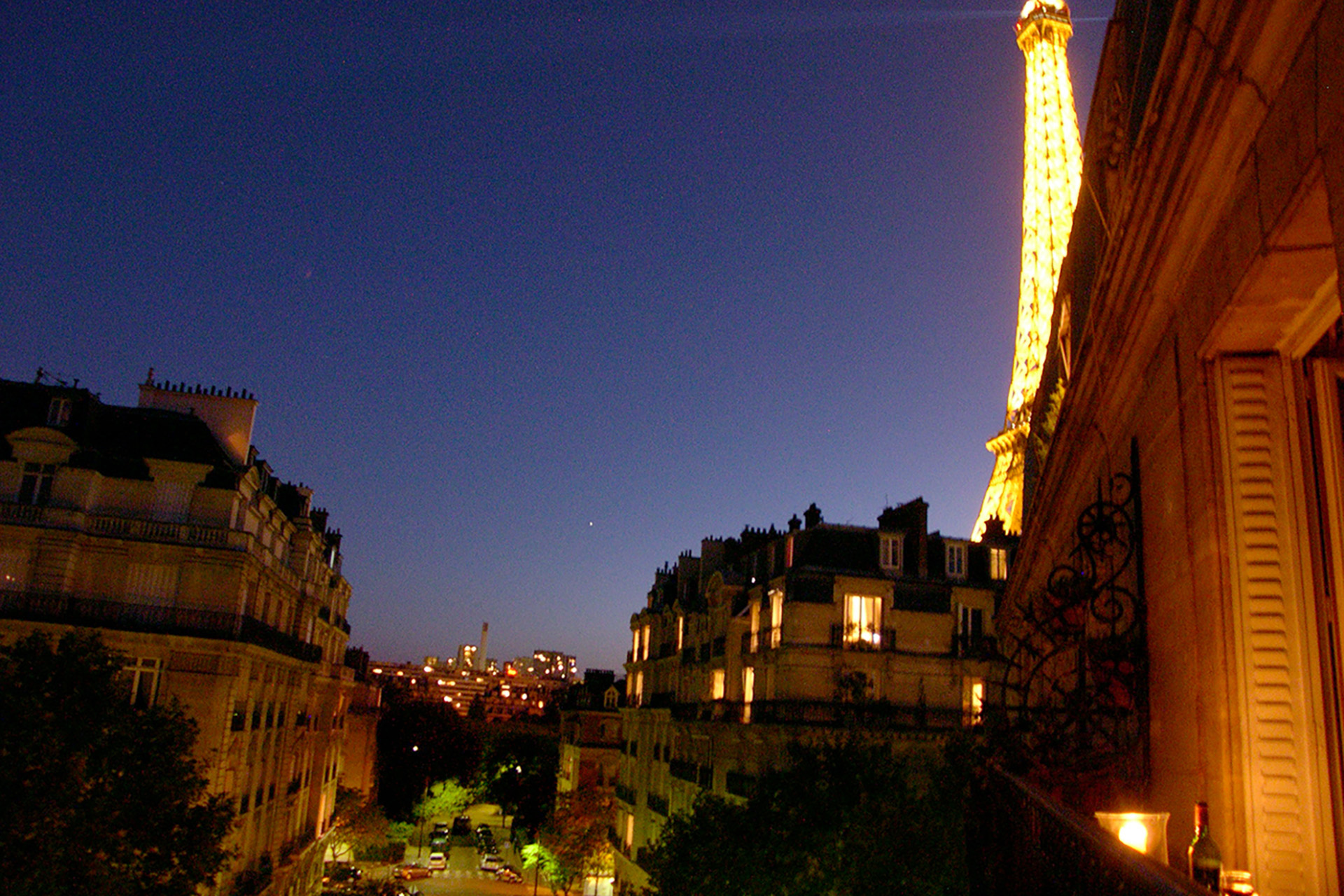 Book 1 Bedroom Eiffel Tower Paris Vacation Rental - Paris Perfect