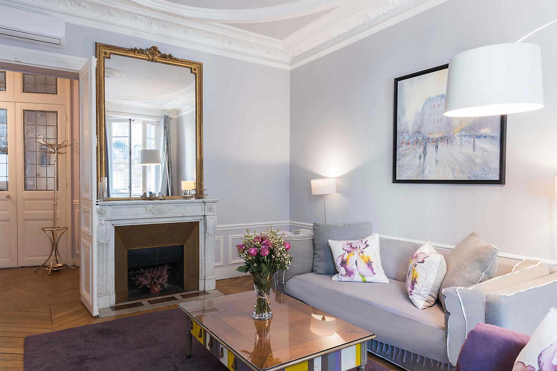 Stylish 2 Bedroom Paris Vacation Rental in Latin Quarter near Seine