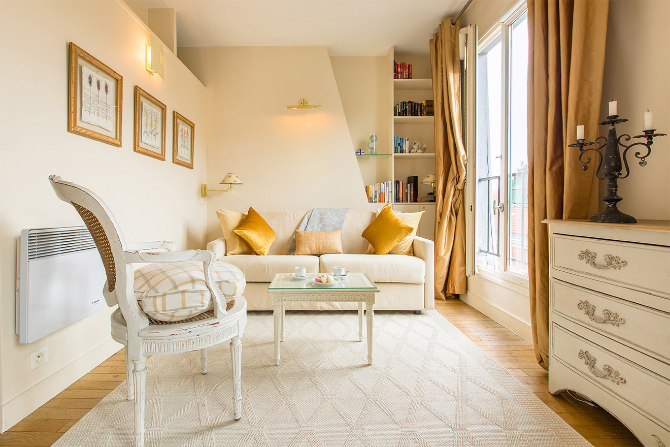 Book Studio Apartment Rental near the Eiffel Tower - Paris Perfect