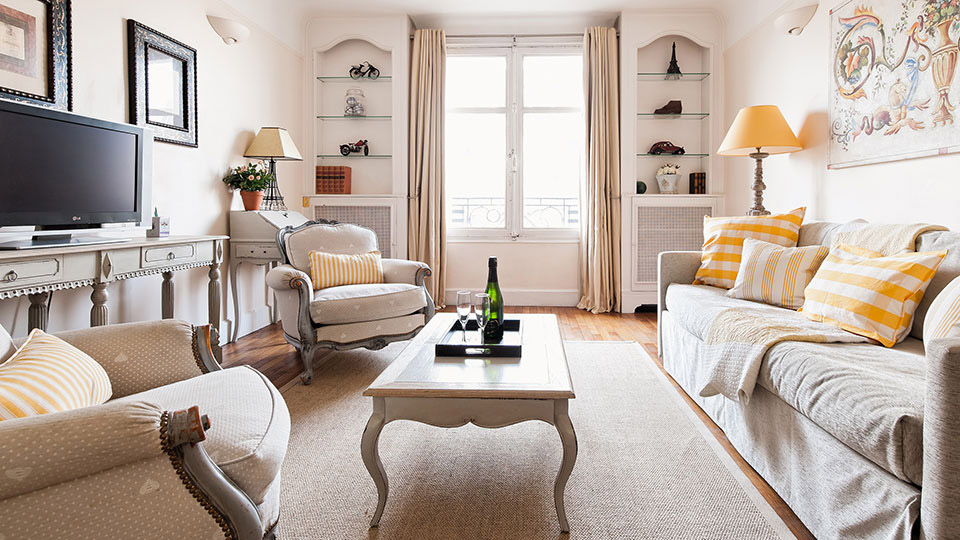 Book 1 Bedroom Honeymoon Apartment in Paris - Paris Perfect