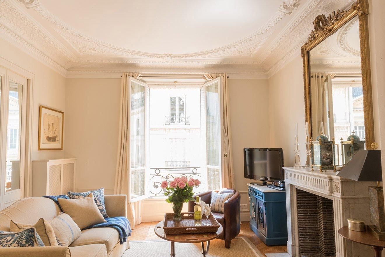 Sensational 2 Bedroom Vacation Rental In Paris Near Seine River Paris Per Beutiful Home Inspiration Xortanetmahrainfo